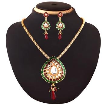Ethnic Kundan and Beads Necklace Set