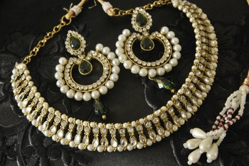 Kundan Necklace & Dangling Green colour Earrings