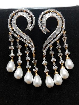 classic  diamond and pearl earring