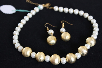 Golden  Dust Bead Pearl Necklace
