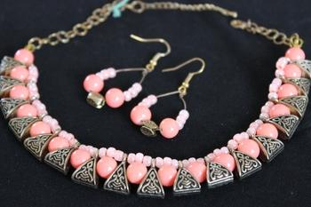 Peach Choker Necklace Set