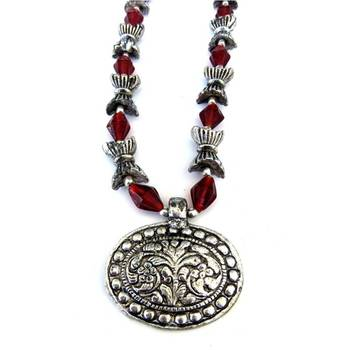 Flower Pendant necklace: Brown/010Brown