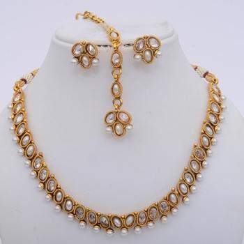 Delicate Polki & Pearls necklace Set