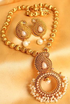 GORGEOUS KEMP MANGO CLUSTER NECKLACE SET- DJ02829