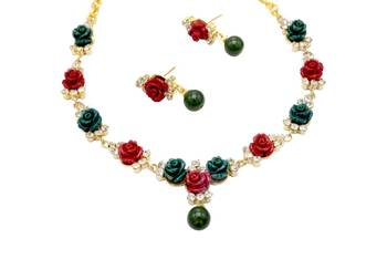 BEAUTIFUL FLOWER CORAL NECKLACE SET WITH EARRINGS (RED GREEN) -