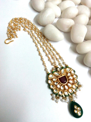 kundan maang tikka with pearl