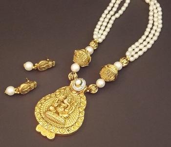 Ganesha Temple Pearl Necklace Set
