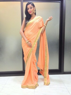 peach and white saree