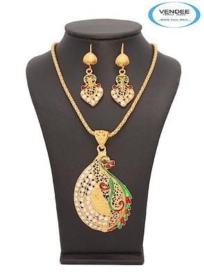 Vendee-Fashion Eye-Catchy Glorious  Pendant Jewelry (7050)