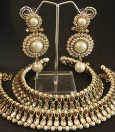 Buy Maroon & Green colour Kundan Anklets & Pearl Earrings jewellery-combo online