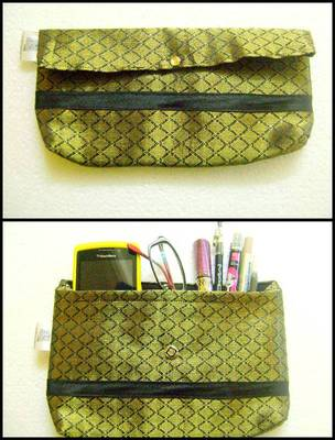Rich Green printed small clutch::Make up pruse