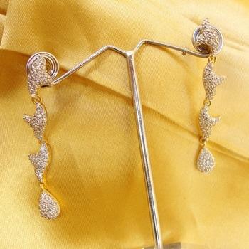 Leafy Pattern Earrings