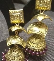 Buy Maroon pearl earrings Earring online