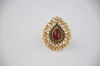 Traditional Oval Kundan Ring