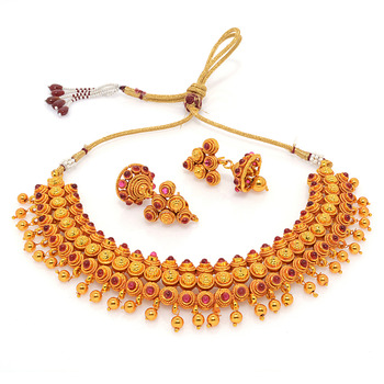 Exclusive traditional necklace collection