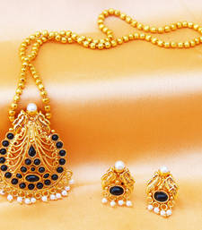 Buy Gorgeous peacock pendant set Pendant online