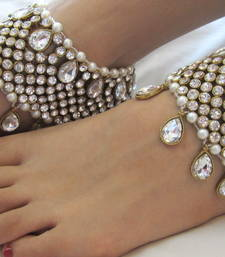 Buy GOLD TONE BEAUTIFUL CRYSTAL PEARL HEAVY ANKLETS PAYAL PAIR anklet online