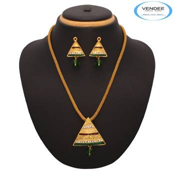 Vendee Fashion Triangle Shape Golden Pendant Set (7210)