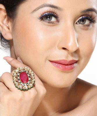 An outstanding gorgeous Kundan Ring