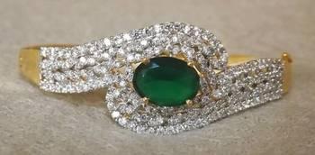 Sparkling AZ Diamond Bracelet in Green