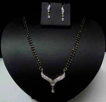 Simply Modern Mangalsutra (AD-CZ)