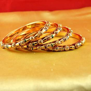 gold platted bangles size-2.4,2.6