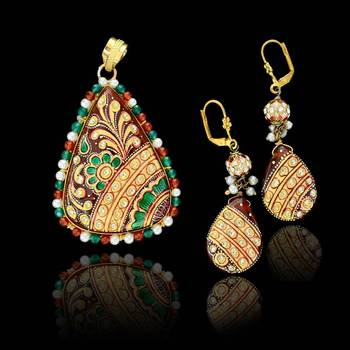 Tanjore Drop Pendant set